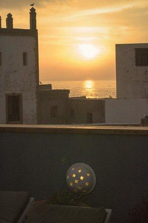 Riad Al Zahia: puesta de sol en la terraza de estilo chill out