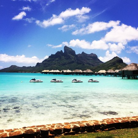 Four Seasons Resort Bora Bora: view of from the hotel