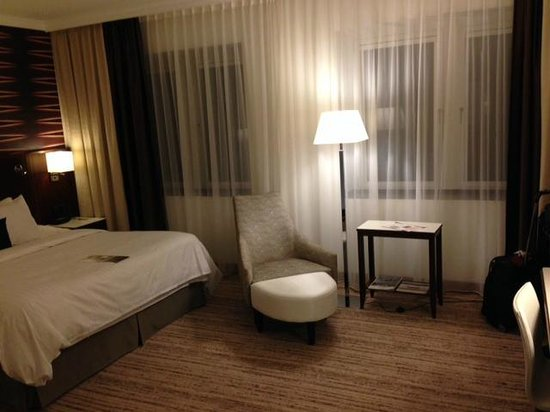 Cologne Marriott Hotel : Bedroom