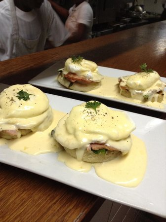 Maya Beach Hotel Bistro : Eggs Bennie with fresh local eggs, ham and homemade English muffins.