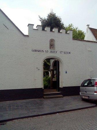 De Vos Almshouse (Godshuis de Vos) : Entrée