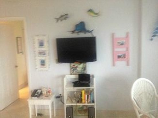 Ocean Pointe Suites at Key Largo: the tiny living room tv and ugly decorations