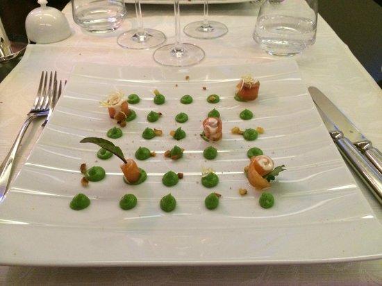 Boutique Hotel Pfauen: Gebeizter Lachs mit Guacamole und Croutons