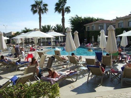 The King Jason Paphos : general pool
