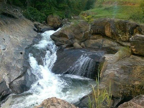 Sao Fidelis, RJ: Cachoeira do Oriente