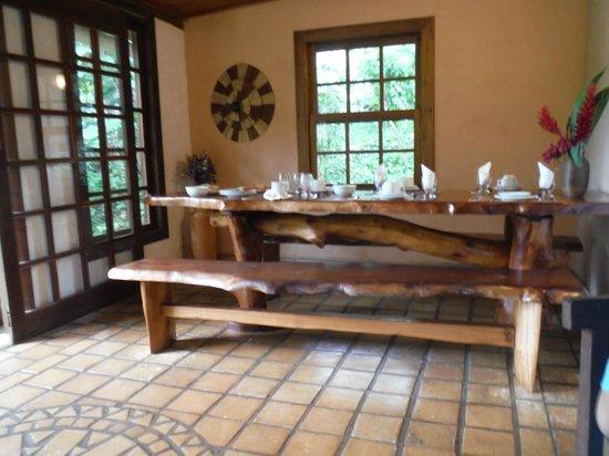 Pousada Vila Serrano: salão do café da manhã
