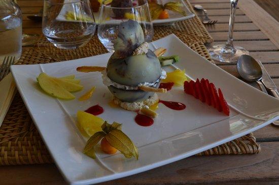 Chez Philippe: Sphère aux chocolats blanc et noir