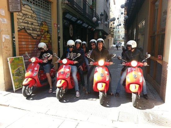 Vespa-Rent: Salida de calle de las Mantas