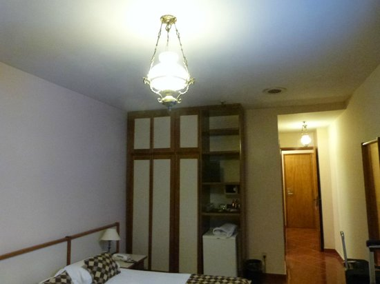 Hotel Rondônia Palace: armário do quarto