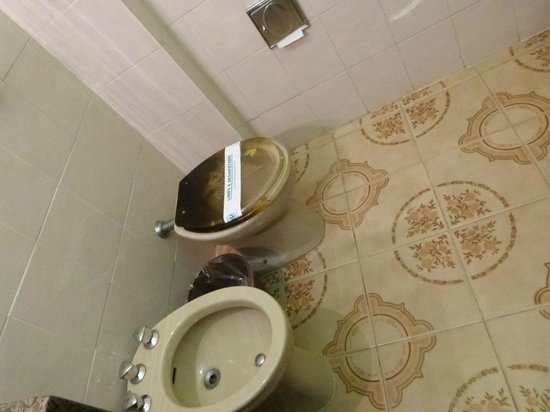 Hotel Rondônia Palace: banheiro amplo