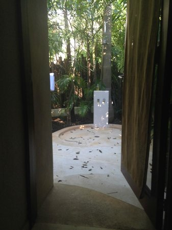 Viceroy Riviera Maya: The outdoor shower