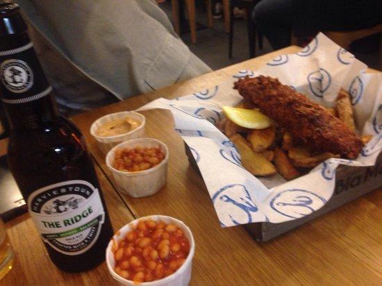 Bia Mara : Fish n chips w great beer!