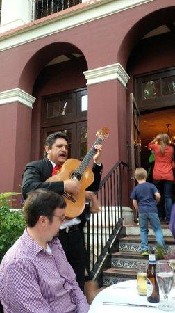 Las Canarias Restaurant: entertainment