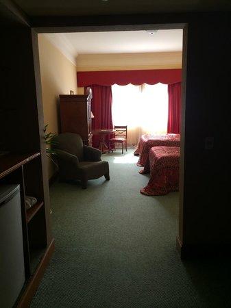 Granados Park Hotel: Entering the room