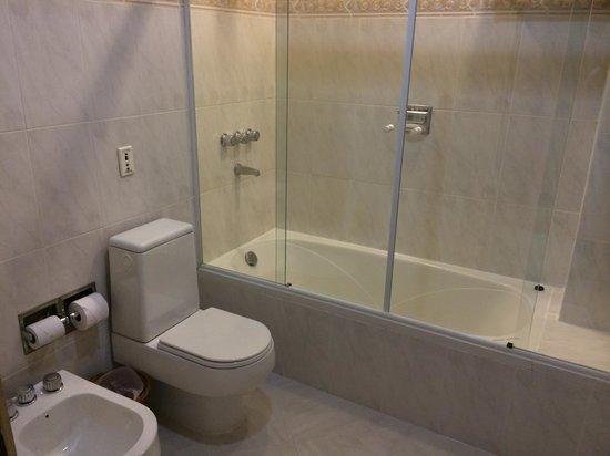 Granados Park Hotel: Bathroom