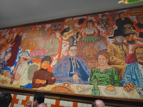 El Mural de los Poblanos : Murales en el restaurant