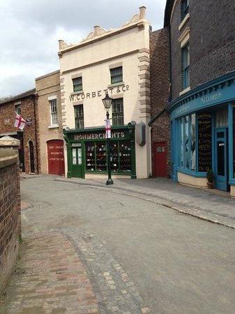 Blists Hill Victorian Town : iron merchants