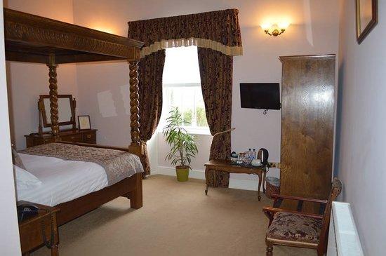 Brigands Inn: Ystafell 1 / Room 1