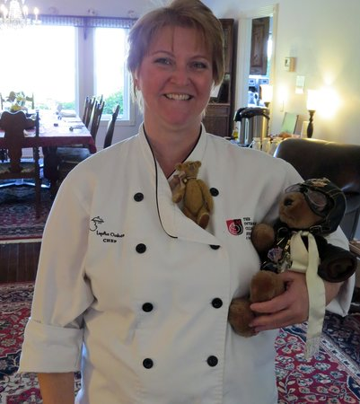 Sea Cliff Gardens Bed & Breakfast : Lydia with our travelling companions, Orville and Esme.