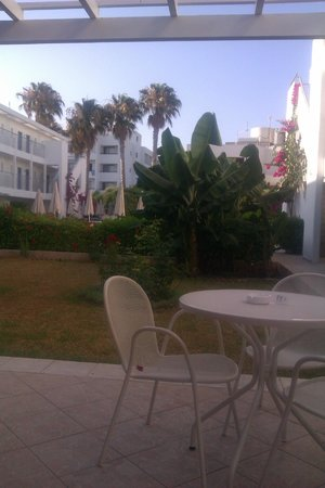 Nissi Park Hotel : View from Breakfast area