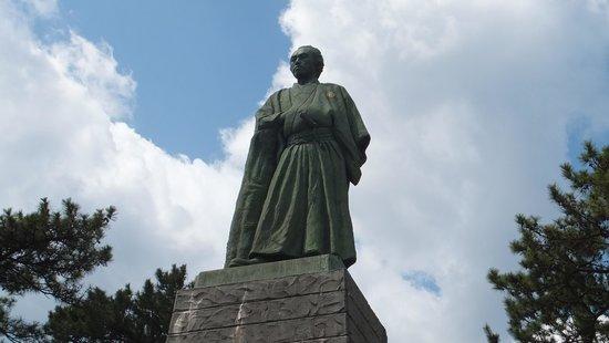 Ryoma Sakamoto Bronze Statue: 坂本龍馬銅像