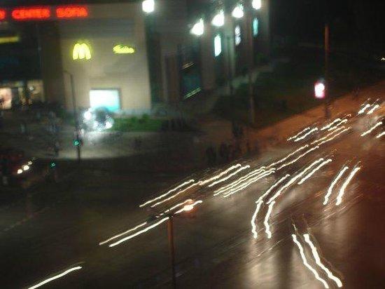 Hemus Hotel: Вид из окна на ночную Софию