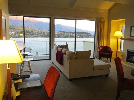 Villa Del Lago: living room