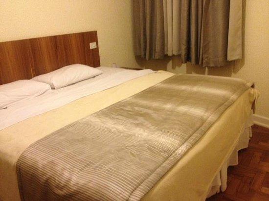 Rojas All Suite Hotel: Quarto Casal