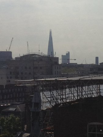Imperial Hotel : The shard from our bedroom window