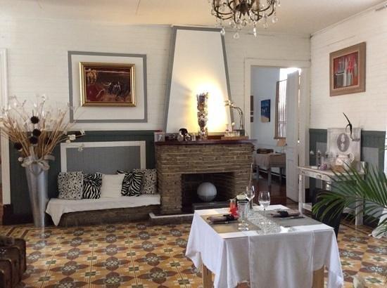 La Terrasse Cuisine Française : la cheminée et les décors
