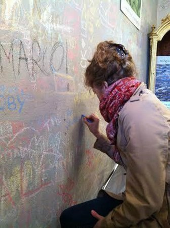 Writing on the wall at Km 0