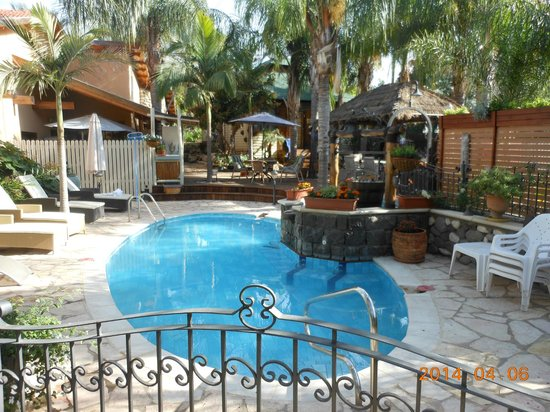 Out of Africa Resort Hotel: Swimming pool