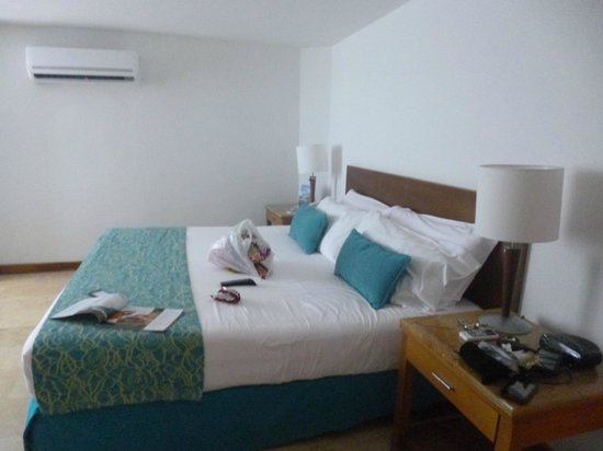 Hotel Estelar Oceania : Comodísima cama... excelente para un buen descanso