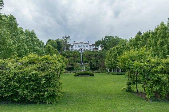 Villa Terrace Decorative Arts Museum: Villa Terrace's Renaissance Garden