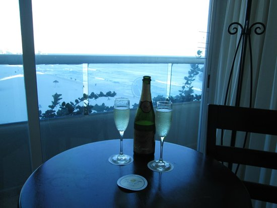 Gran Caribe Resort: Sparkling wine & view from room 2518