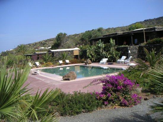 Dammuso le volte con piscina privata grande villa foto di dammusi di gloria pantelleria - Dammusi con piscina pantelleria ...