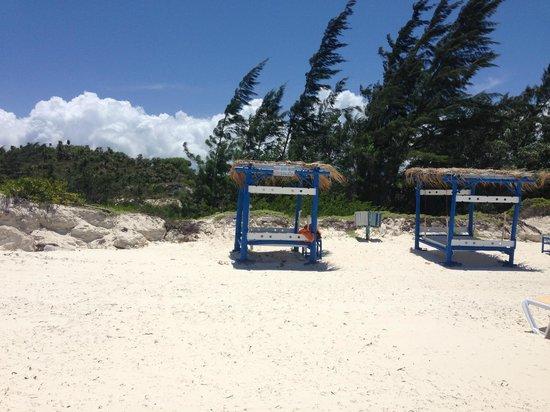 The beach beds at Playa Pilar