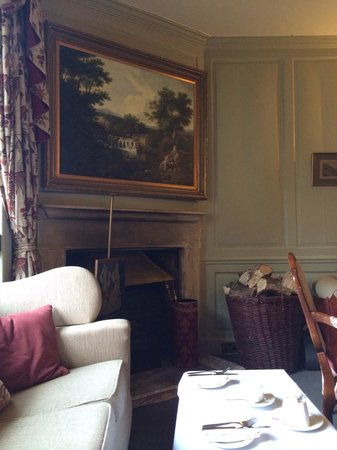 Charingworth Manor: The lovely room where we chose to have our afternoon tea.