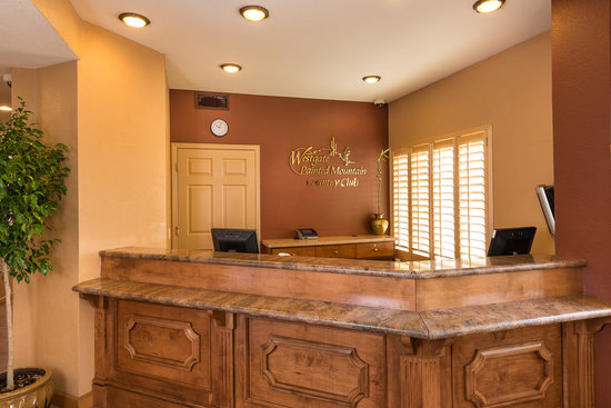 Westgate Painted Mountain Golf Resort: Front Lobby