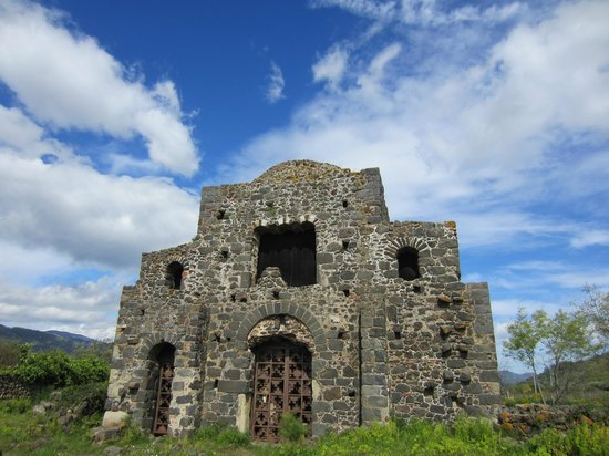 Etna Experience Excursions: Byzantine church