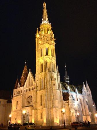 Hilton Budapest: CHURCH OPPOSITE