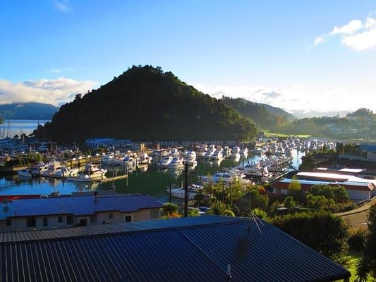 Harbour View Motel Picton: view from unit 10 in the morning