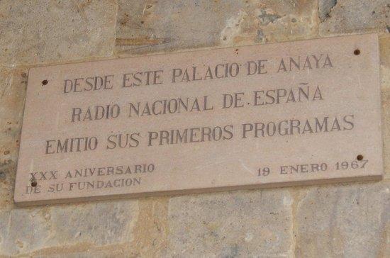 """Colegio de Anaya (Palacio de Anaya) : Radio Nacional se """"estrenó"""" aquí"""