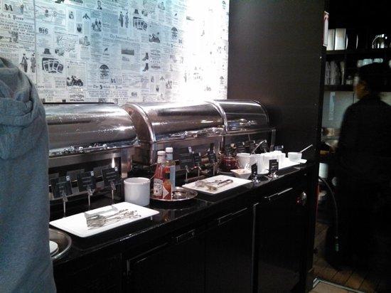 First Hotel Reisen: bacon, sausage, eggs, mushrooms, beans, pancakes...