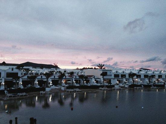 Sands Beach Resort: Atardecer en el Hotel