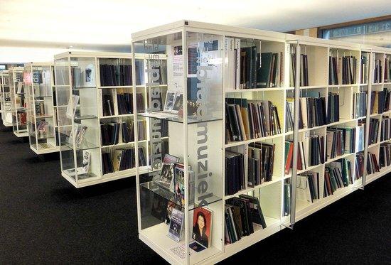 Bibliothèque centrale (Openbare Bibliotheek) : Special displays