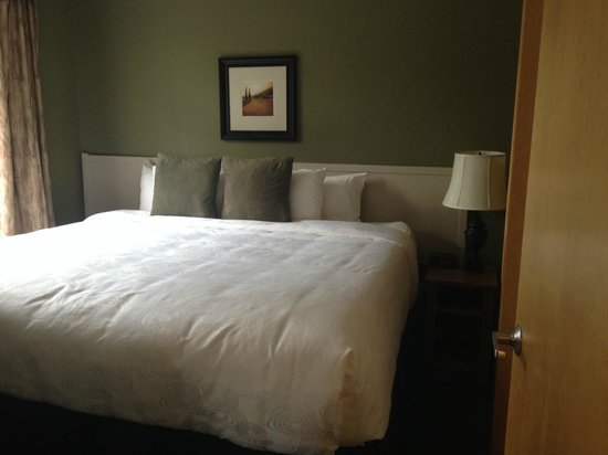Windtower Lodge & Suites: Bedroom