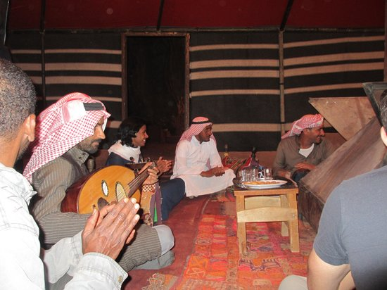 Bedouin Roads : Evening entertainment