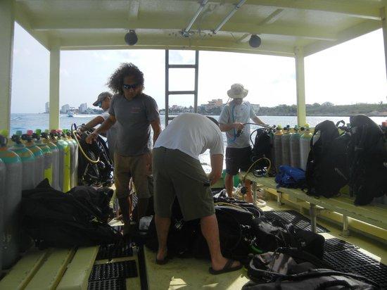 Alex Scuba : Oceano 4 with Alex and the crew!