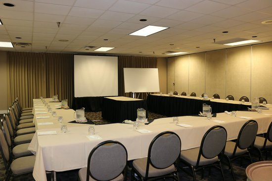 Chaparral Suites Scottsdale: Very clean, well organized meeting space.